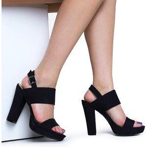 Report Lawren Block Heels
